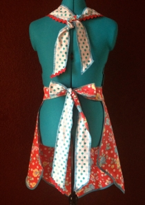 Back ties of Kitsch full apron